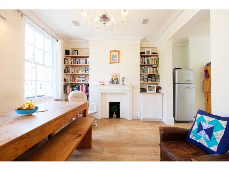 Beautiful 3-bedroom flat for rent in Southwark, London