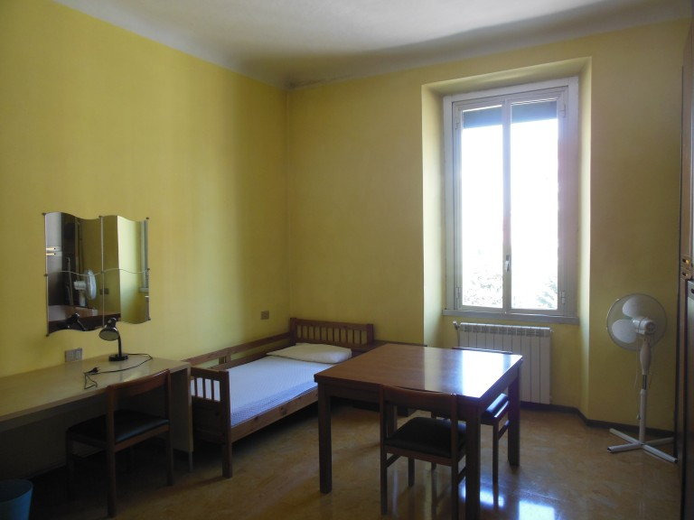Shared room in nice apartment in Porta Romana, Milan