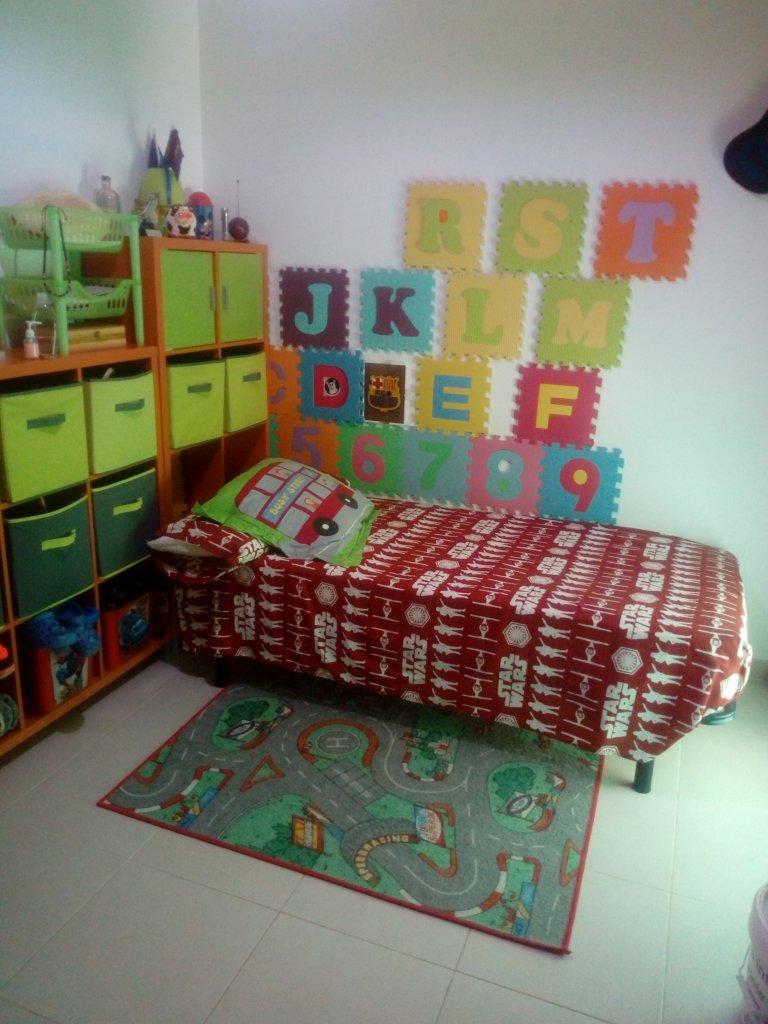 Room in shared apartment in Puebla de Vallbona