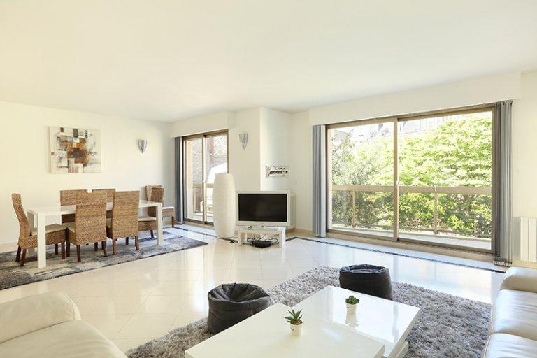 3-bedroom apartment for rent in Paris 16