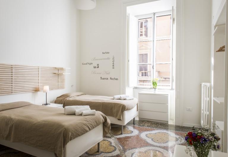 Das leuchtende Apartment mit 4 Schlafzimmern ist nur wenige Minuten vom Bahnhof Termini entfernt und bietet Platz für bis zu 8 Personen