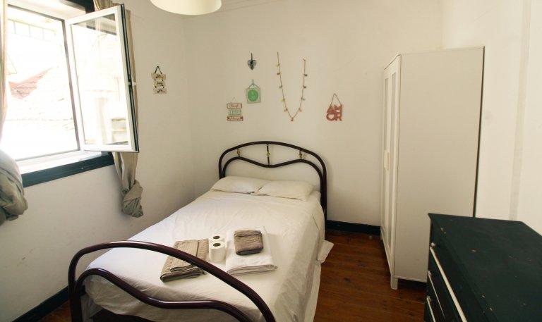 Chambre confortable à louer, appartement à 4 lits, Baixa-Chiado, Lisbonne