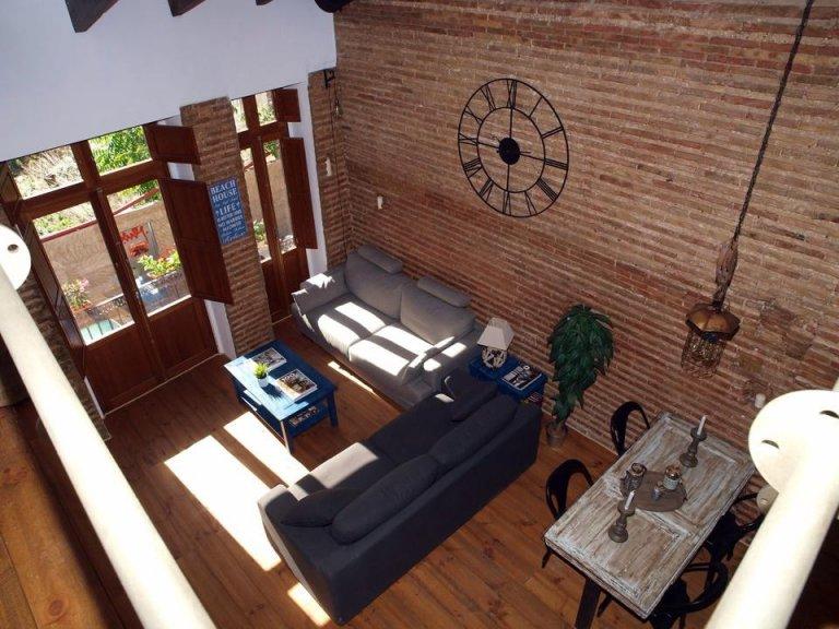Schöne Studio-Wohnung zur Miete in Poblats Marítims