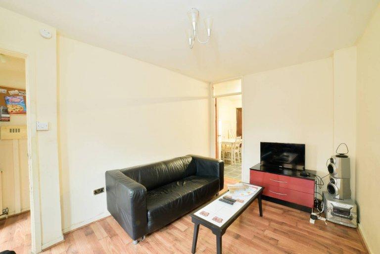 Dom z 2 sypialniami do wynajęcia w Newham w Londynie