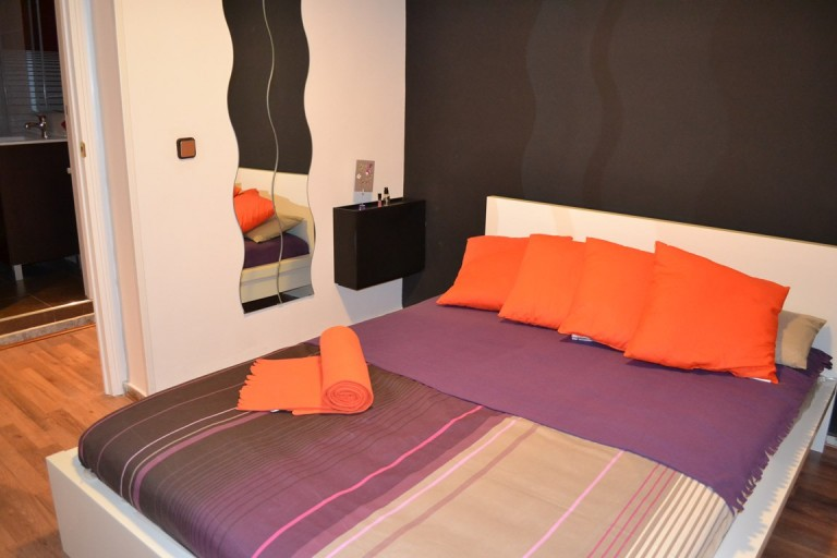 Room 2 double bed 80504