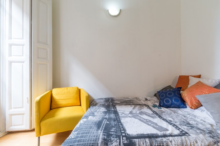Bedroom 5 - Double bed, exterior balcony