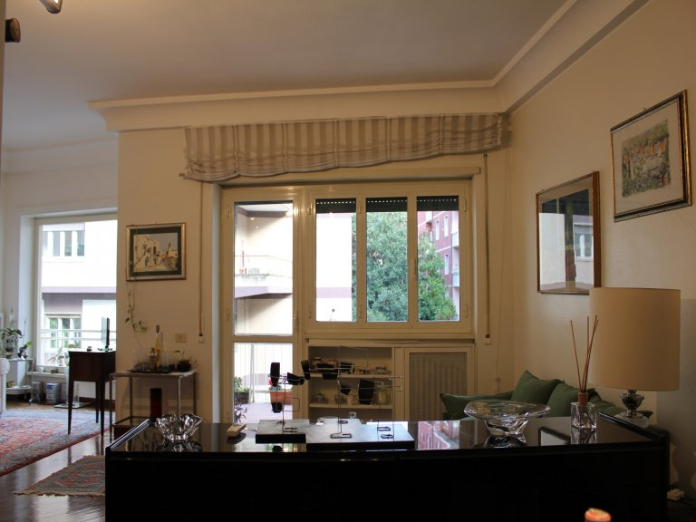 Spacious 2-bedroom apartment for rent in Trionfale, Rome