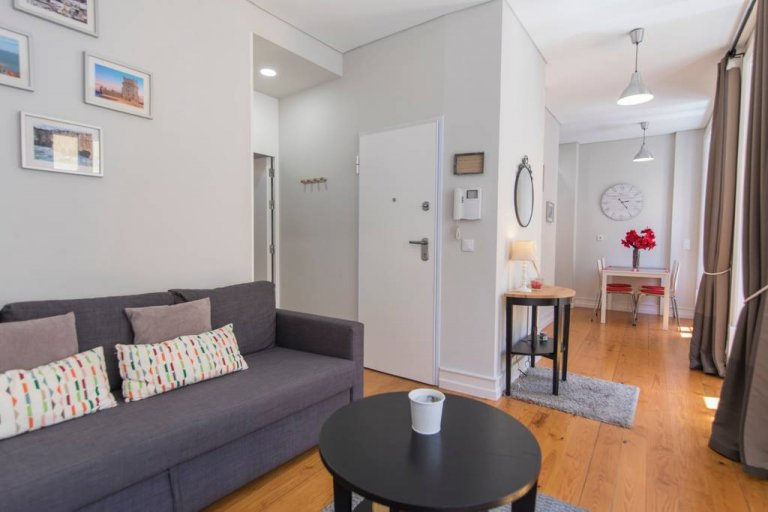 1-pokojowe mieszkanie do wynajęcia w Graça e São Vicente, Lisboa
