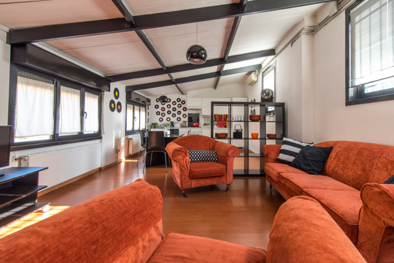 Large 3-bedroom apartment for rent in Washington, Milan