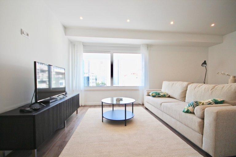 Appartamento con 1 camera da letto in affitto a Campolide, Lisbona