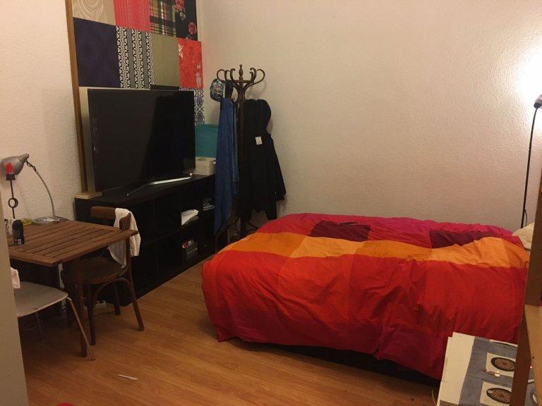 Möbliertes Zimmer in einer Wohngemeinschaft in Chueca, Madrid