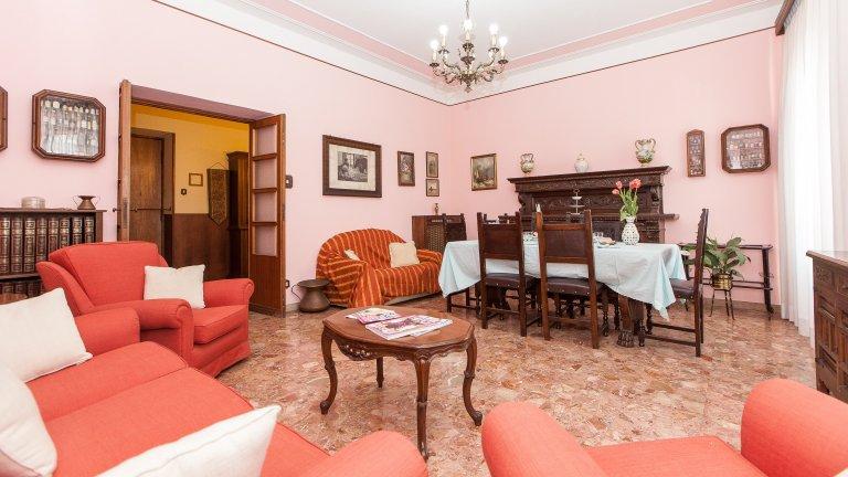 Apartamento de 2 quartos clássico para alugar em Prati, Roma