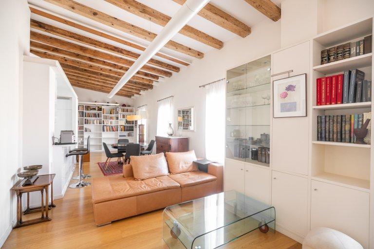 Apartamento de 2 dormitorios en alquiler en Ciutat Vella