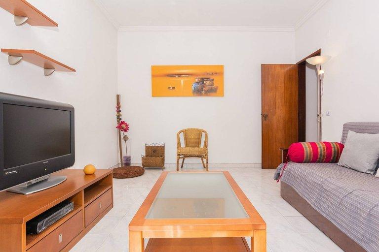 Piękny apartament z jedną sypialnią do wynajęcia w Almadzie