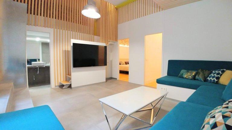 Nowoczesny apartament z 5 sypialniami do wynajęcia w Centro w Madrycie.