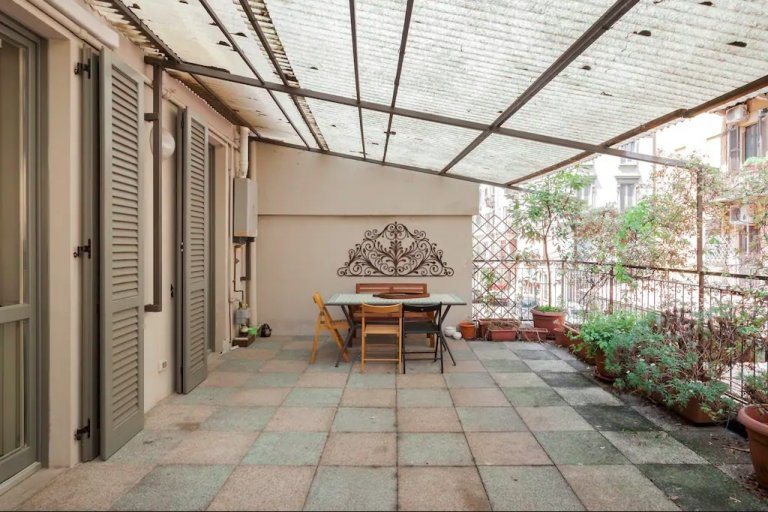 Spacious 2-bedroom apartment for rent in Ticinese, Milan