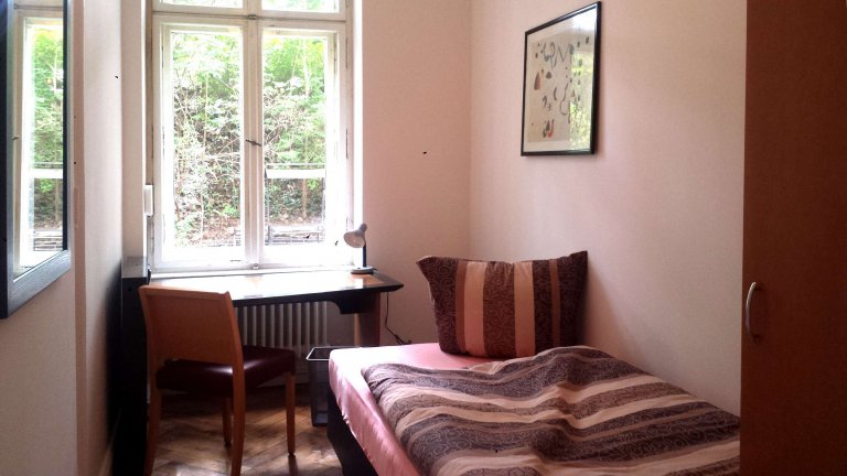 Room for rent in apartment with 7 bedrooms in Charlottenburg