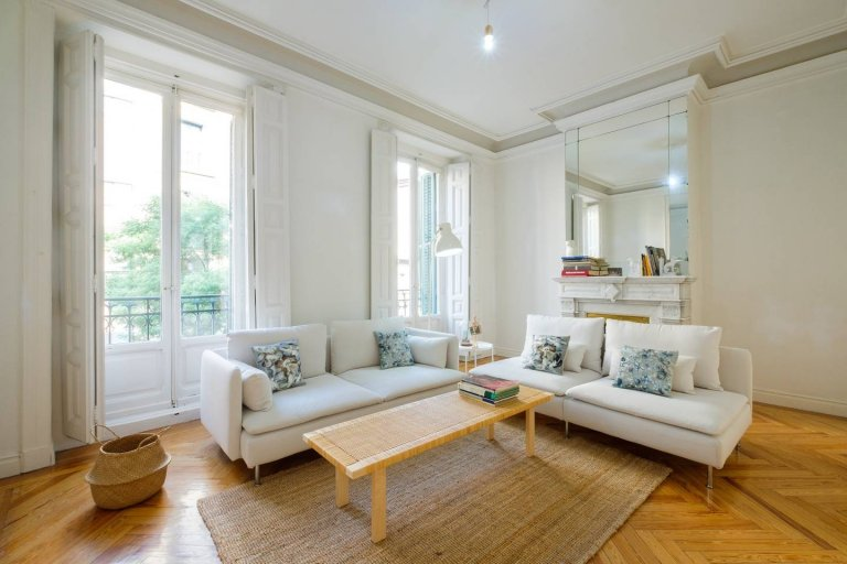 Apartamento de 4 quartos elegante para alugar em Centro, Madrid
