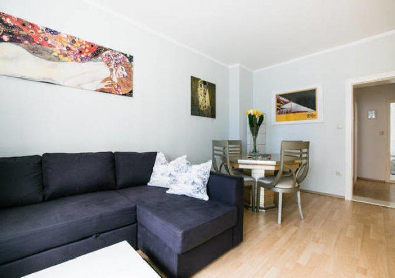 Single Bed in Rooms for rent in a 2-bedroom apartment in Kreuzberg