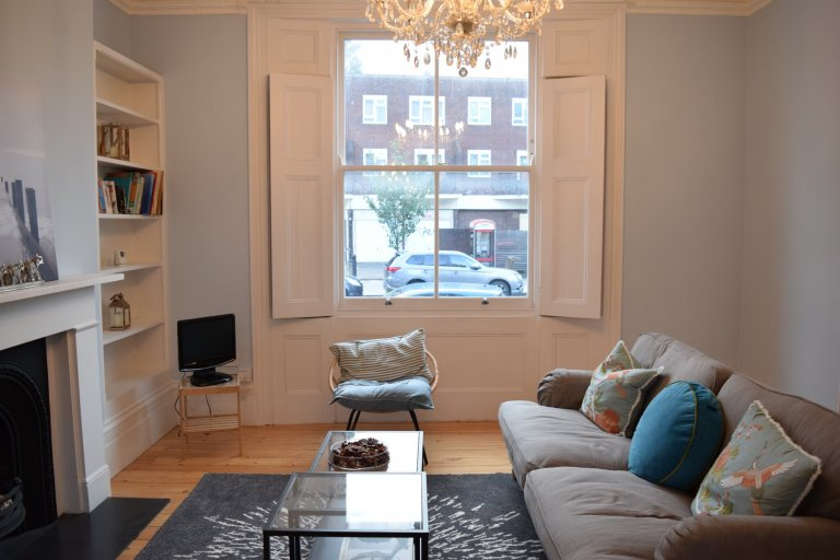 3-bedroom flat to rent in Hammersmith, London