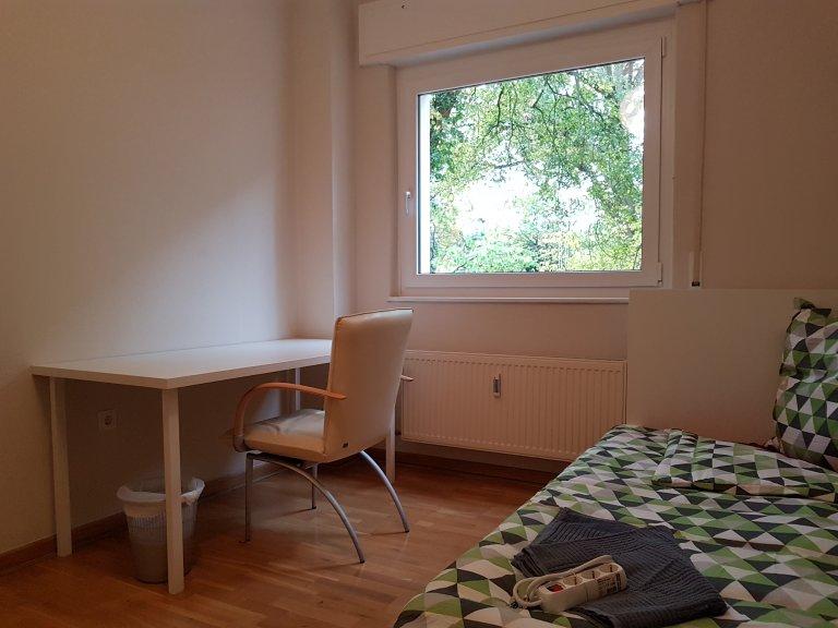 Chambre à louer dans appartement avec 3 chambres à Wilmersdorf