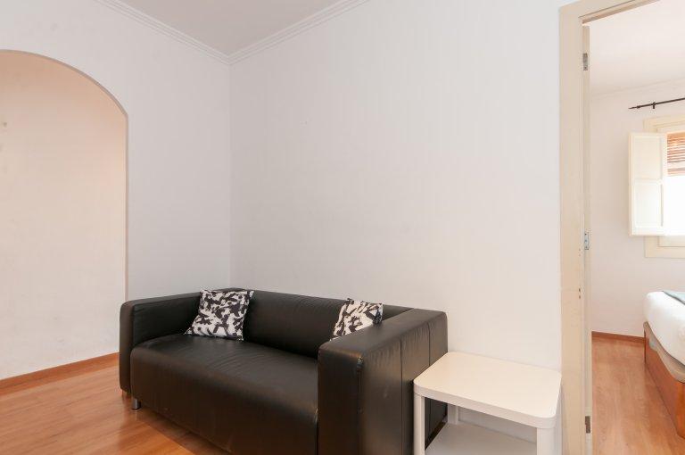 Ładny 2-pokojowy apartament do wynajęcia w L'Hospitalet, Barcelona
