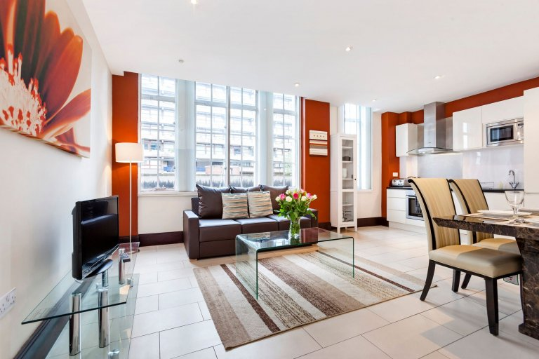 2-bedroom flat to rent in the City of London