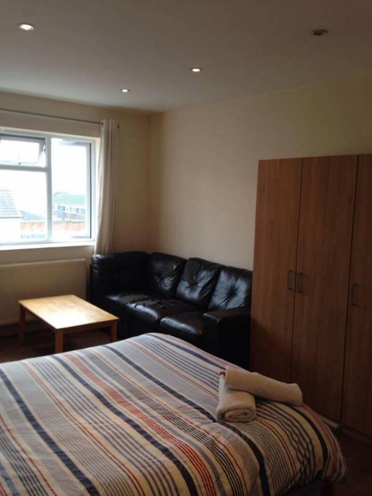 Disegno Idea appartamento 2 camere da letto torino massima qualità foto : Appartamenti condivisi da 2 stanze a Londra | Spotahome