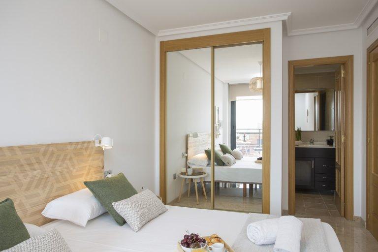 Intero appartamento con 3 camere da letto a Valencia