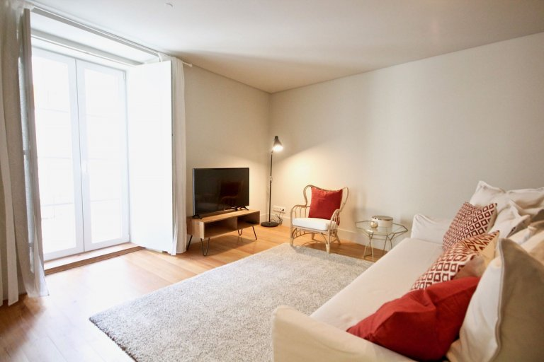 Wonderful 2-bedroom apartment for rent in Bica, Lisbon