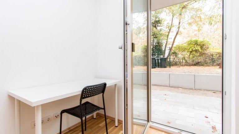 Room to rent in 2-bedroom apartment in Treptow-Köpenick