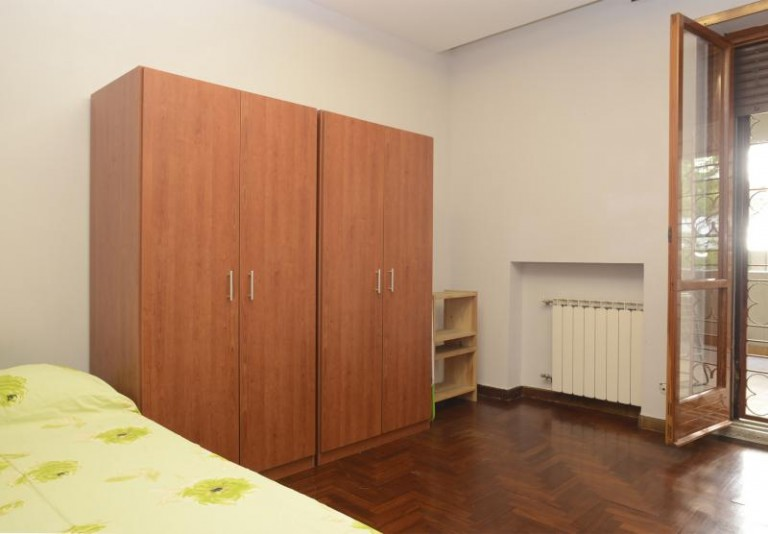 Pokój w apartamencie z 4 sypialniami w EUR, Rzym