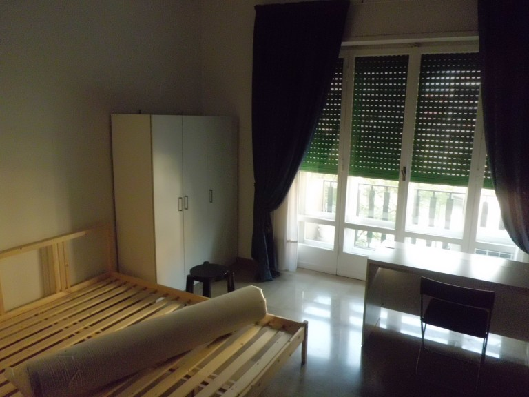 Bedroom 3 - double bed and balcony