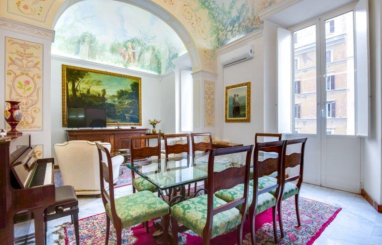 Apartamento grande com 5 quartos para alugar em Centro Storico, Roma