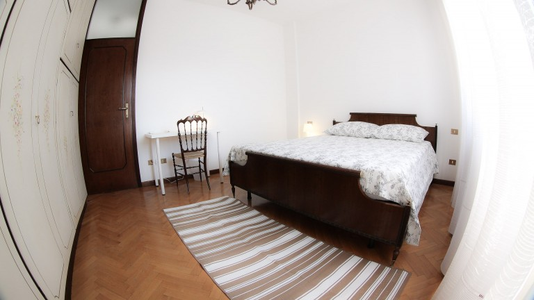Furnished room in apartment in Selinunte, Milan