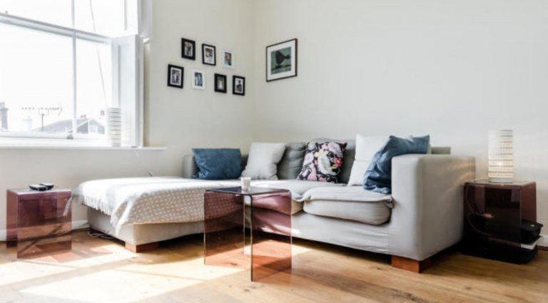Trendy 1-bedroom flat to rent in Camden Town, London