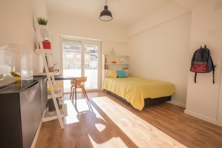 Cute studio apartment for rent in Arroios, Lisbon