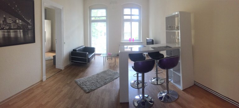 Gorgeous 1-bedroom apartment for rent in Kaulsdorf