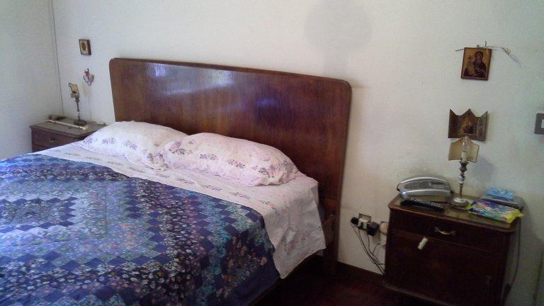 Pokoje do wynajęcia w 4-pokojowe mieszkanie w Treiste, Rzym