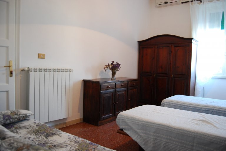 Room in shared apartment in Roma