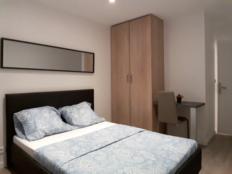 Zimmer zu vermieten in 4-Zimmer-Wohnung in Noisy-le-Grand
