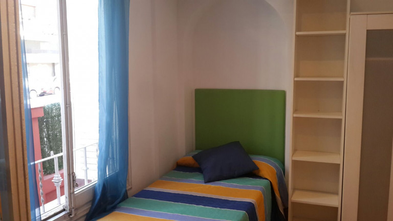 Bedroom 12 - single bed