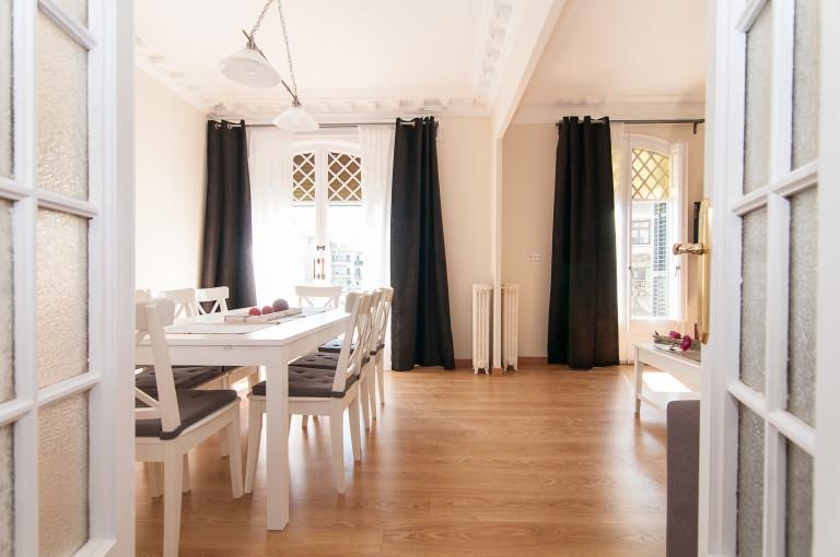 Apartamento de 4 quartos elegante para alugar em Les Corts, Barcelona
