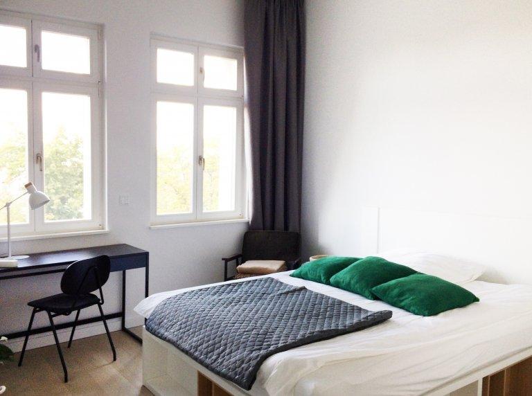 Pokój do wynajęcia w mieszkaniu z 3 sypialniami w Gesundbrunnen