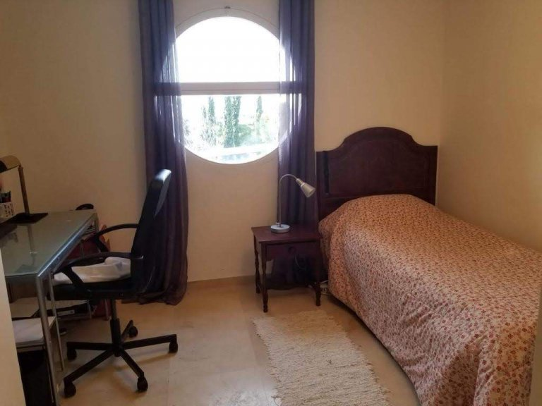 Chambre dans une maison de 6 chambres à Villaviciosa de Odón, Madrid