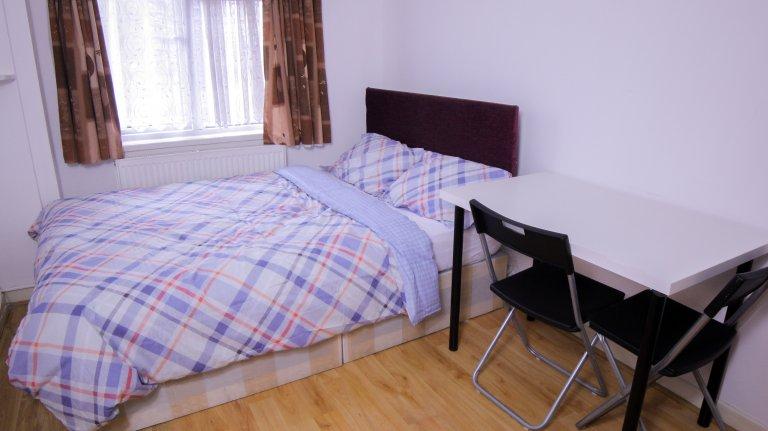 Habitación en casa de 5 habitaciones en Tower Hamlets, Londres