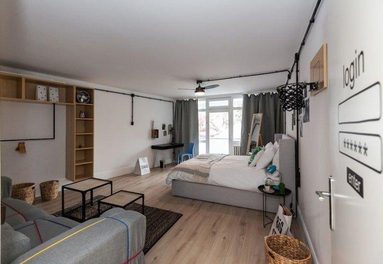 Zimmer zu vermieten in Apartment mit 2 Schlafzimmern, Charlottenburg