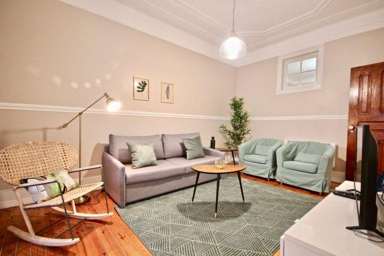 Elegancki 4-pokojowy apartament do wynajęcia w Arroios, Lizbona