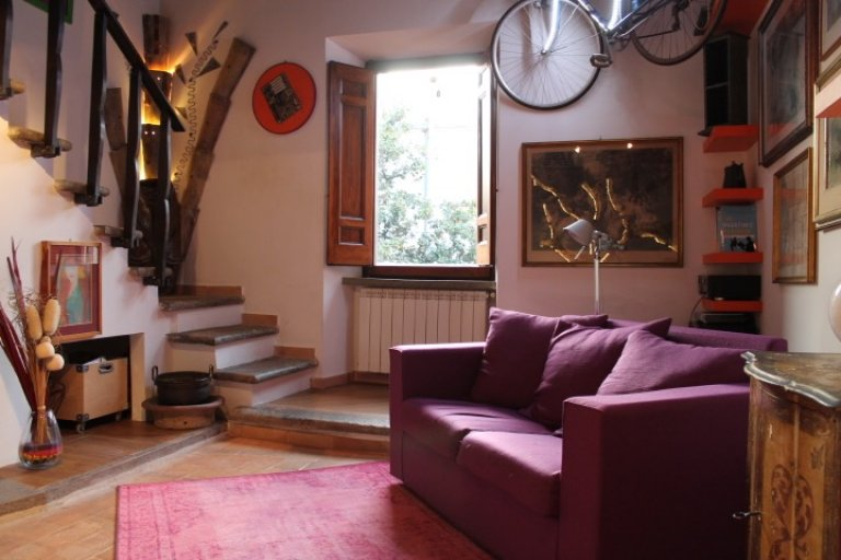 Comfy 1-bedroom apartment for rent in Trastevere, Rome