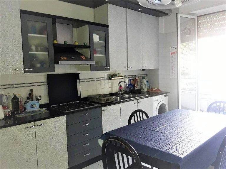 Camera in appartamento condiviso a Milano